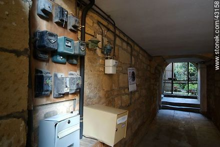 Sarlat-la-Canéda. Electricity consumption meter of a building. - Region of Aquitaine - FRANCE. Photo #43158