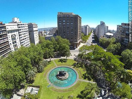 Plaza Fabini and Av. del Libertador - Photos of downtown, URUGUAY. Image #61316