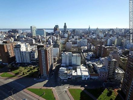 Aerial view of the rambla and Andes and Maldonado streets - Photos of downtown, URUGUAY. Image #65694