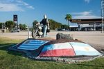 Foto #57279 - Monument to the motorcyclist at the intersection of Routes 3 and 11 in San Jose