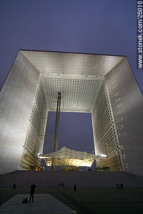 - Photos of the area of La Défense, FRANCE. Image #25010