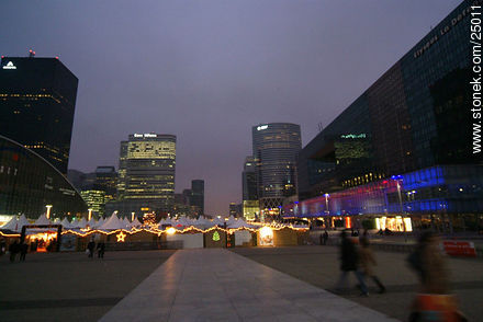 - Photos of the area of La Défense, FRANCE. Image #25011