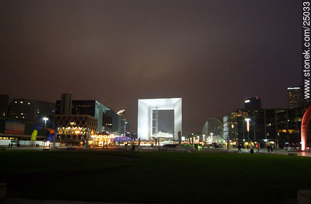 - Photos of the area of La Défense, FRANCE. Image #25033